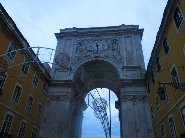 Arch de Rua Augusta, on the way to the connecting tram.